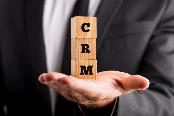 Tại sao doanh nghiệp của bạn cần một phần mềm CRM
