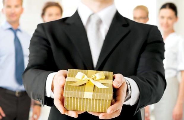 Thiết kế cơ chế lương thưởng gắn liền với nhân viên bán hàng