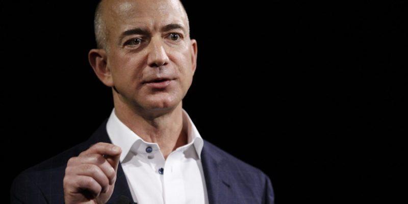 Tỷ phú Jeff Bezos: Người liều lĩnh và ưa mạo hiểm