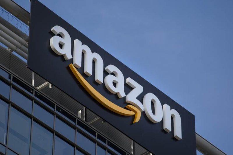 Cả vốn lẫn công sức đều được Bezos đầu tư hết mức vào Amazon